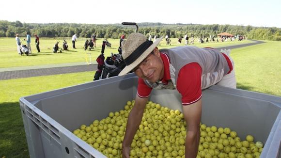 Балъков ще играе голф благотворително