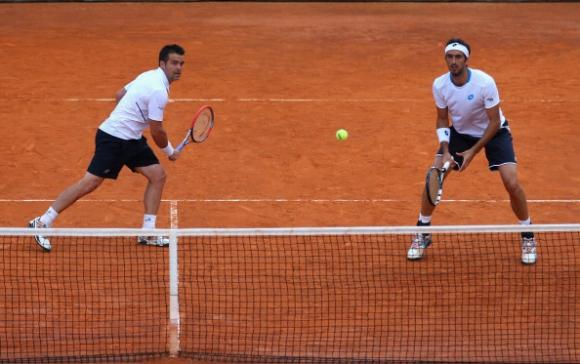 Опростиха доживотните наказания на италиански тенисисти
