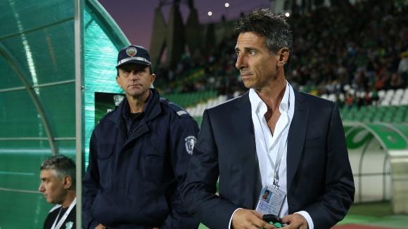 Уволняват Ераносян при загуба от Левски