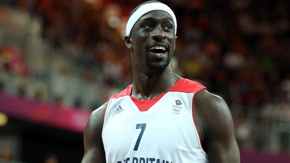 Британска звезда се сбогува с баскетбола