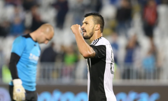Божинов с нов гол, Партизан тръгна с победа при новия треньор (видео)