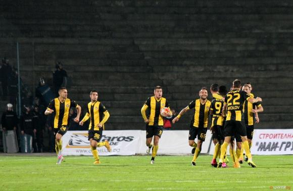 Без санкции в Ботев след срещата между играчи и ръководство