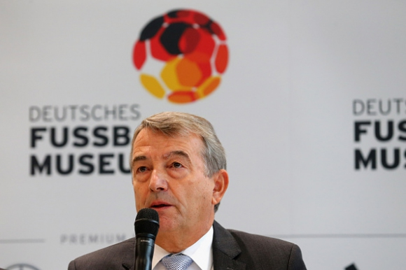 ФИФА отрече Волфганг Нирсбах да е получил 10 милиона франка
