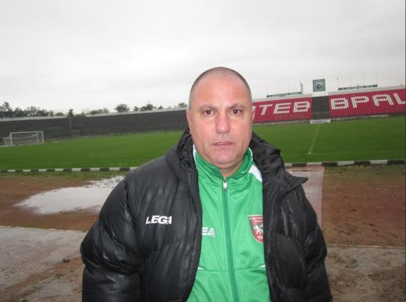 Атанас Джамбазки: Имам претенции към футболистите