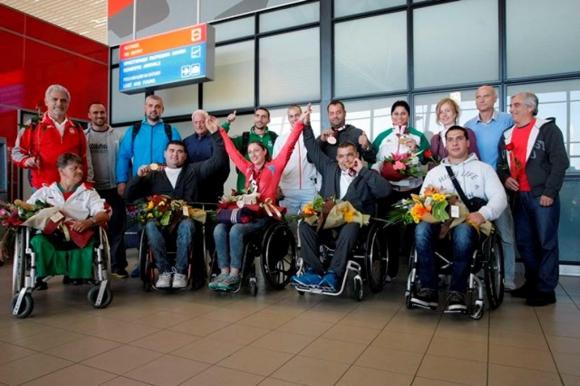 Посрещнаха шампионите и медалисти по лека атлетика за спортисти с увреждания