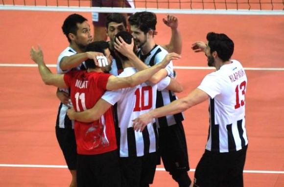Бранимир Грозданов с 10 точки, Бешикташ с първа победа в Турция