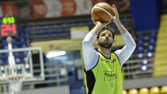 """Деян Иванов с """"дабъл-дабъл""""при загуба на Торино в италианското първенство"""