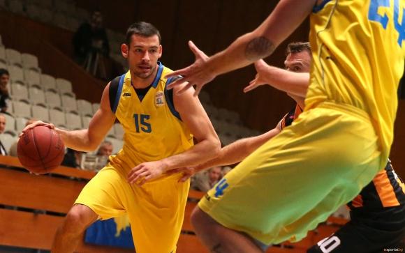 Александър Янев подписа в Аржентина
