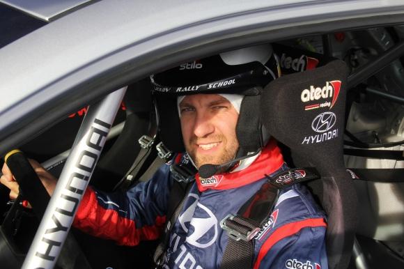 """Нов екипаж влиза в битката на Hyundai Racing Trophy на рали """"Средна гора"""""""