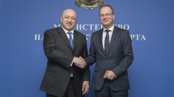 Министър Кралев и Тибор Наврачич: Часовете по физическо трябва да се увеличат