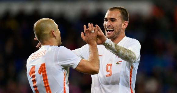 Холандия късно се събуди - извоюва победа в Кардиф (видео)
