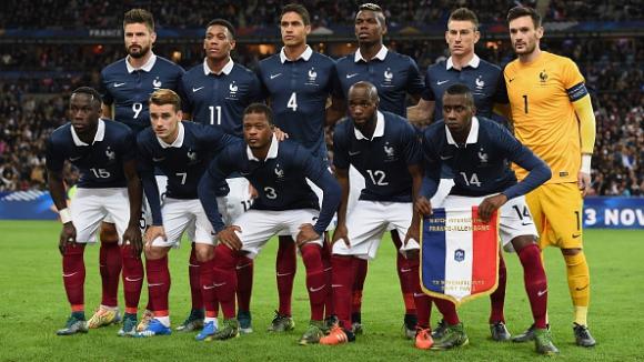 """Какво спортсменство: Футболистите на Франция останали цяла нощ с германците на """"Стад дьо Франс"""""""