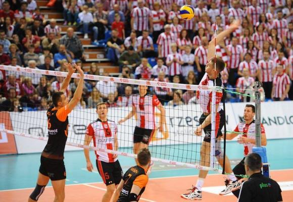 Ники Пенчев с 14 точки, Ресовия с изненадваща домакинска загуба в Полша (ВИДЕО + СНИМКИ)