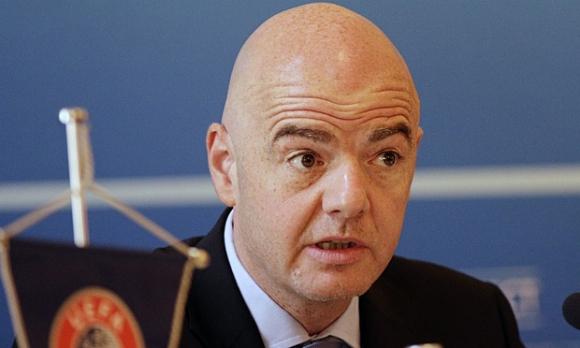 Фиго подкрепи Инфантино за шеф на ФИФА
