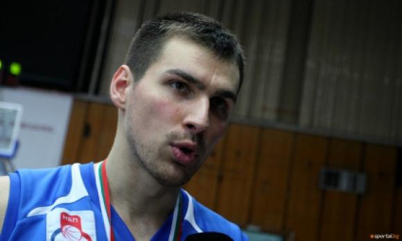 Захариев с 9 точки при победа на Триест в Серия А2