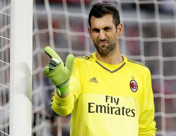 Диего Лопес не мисли да напуска Милан