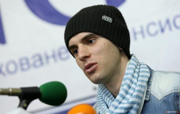 Зографски ще участва в първия старт от сезона за СК по ски-скок