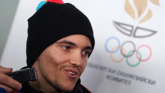 Алберт Попов подновява тренировки на сняг в средата на януари