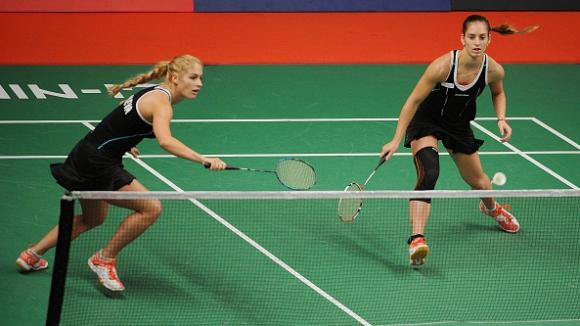 Сестри Стоеви разбиха англичанки по пътя към 1/2-финалите в Дъблин