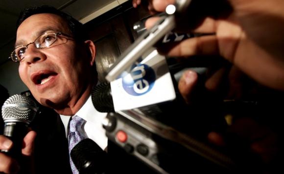 Бившият президент на Хондурас и бивш вицепрезидент на ФИФА пледираха невинен по обвинения за корупция