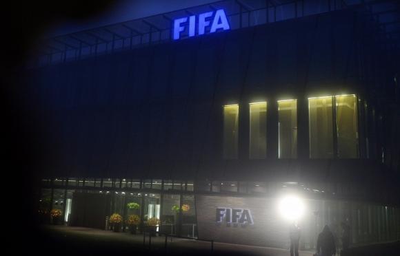 Присъдите на трима служители на ФИФА по делото за корупция ще станат факт през 2016 година