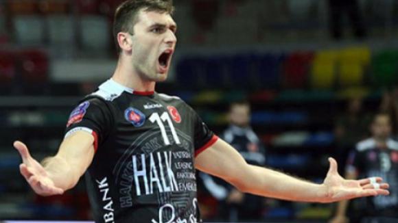 Цветан Соколов отново игра и с първи 3 точки в ШЛ! Зенит със Салпаров обърна Халкбанк