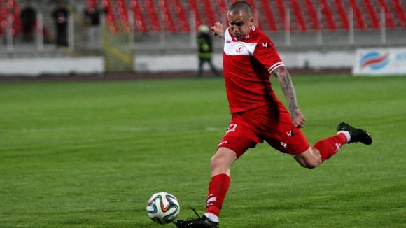Бивша звезда на ЦСКА беснее срещу синдика на клуба