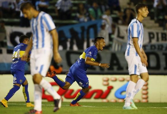 Расинг се наложи над Бока Хуниорс в дербито на кръга в Аржентина
