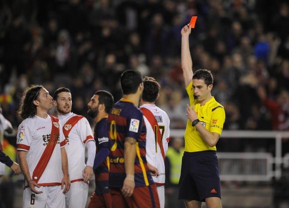Имаше ли съдия на мача на Барселона (снимки)