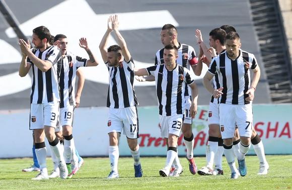 Крушарски ще търси футболисти в Аржентина