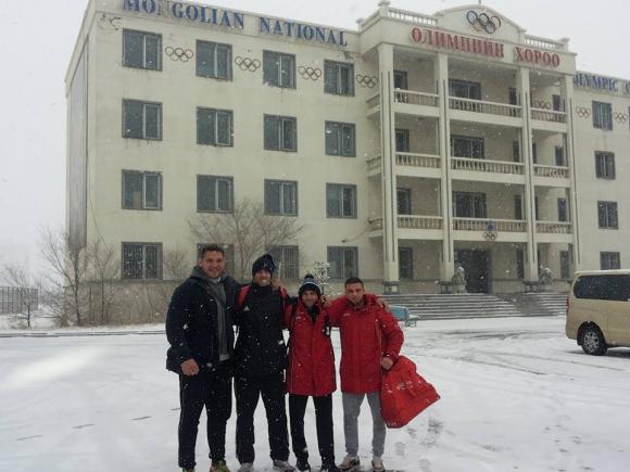 Сняг посрещна българските борци в Монголия