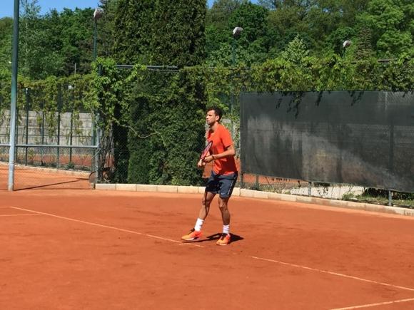 Григор тренира в София
