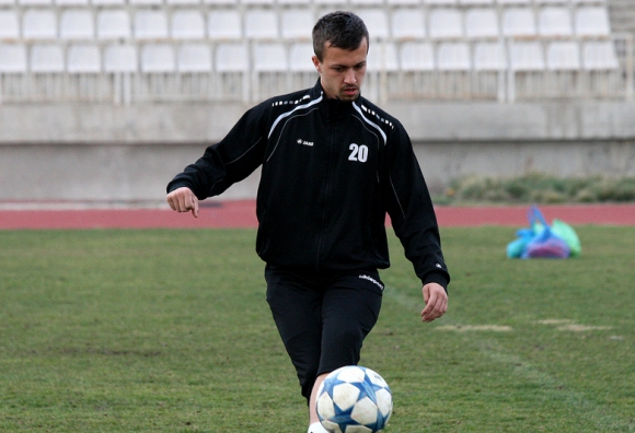 Вратар на 15 години започна с първия отбор на Черно море