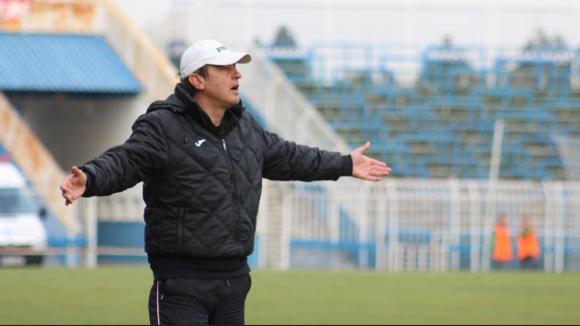 Треньорът на Нефтохимик: Трябва да отговорим на агресията и страстта на нашия противник