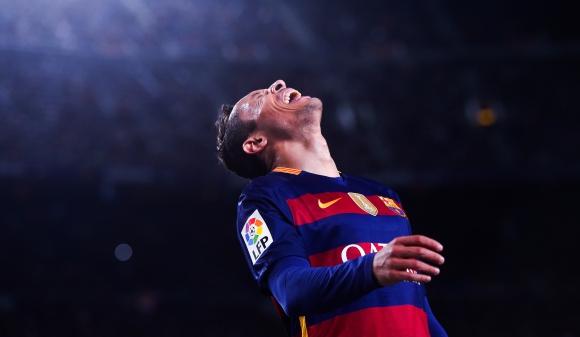 Пореден футболист на Барса разследван за укриване на данъци