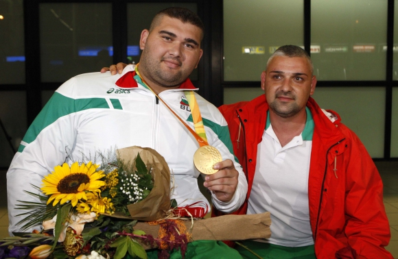 България посрещна своя олимпийски шампион (видео+галерия)