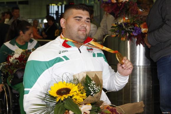 Златният от Рио Ружди вече тренира за нови медали