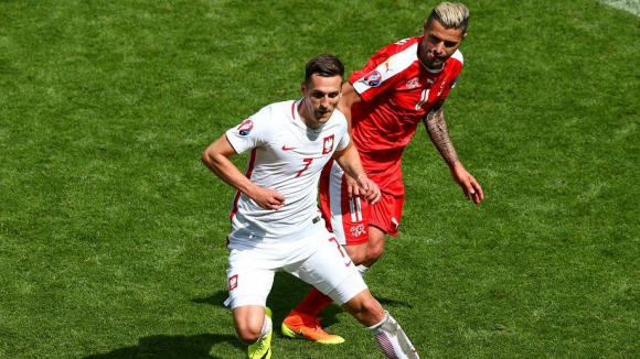 Полски национал с контузия след мача с Дания, аут за няколко месеца