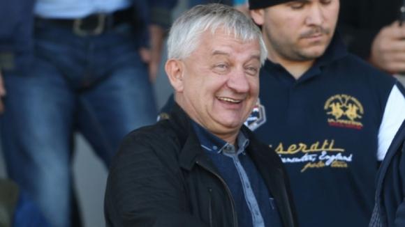 Крушарски гледа победа на новия си отбор
