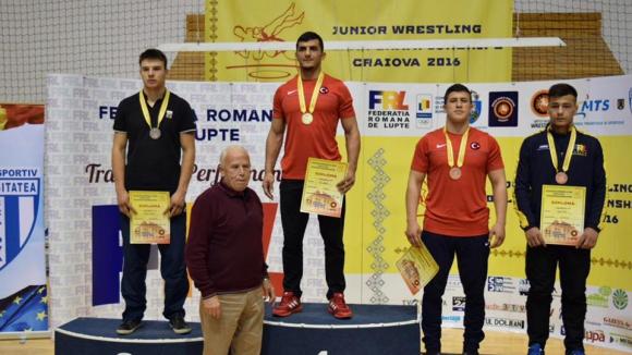 Кирил Милов със сребро на Балканиадата по борба