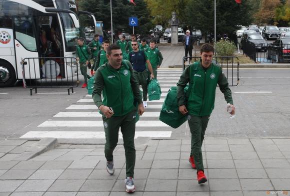 Националите се прибират в София утре вечер