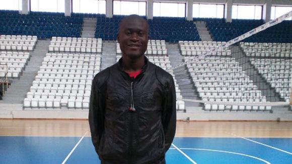 Виза бави чудото от Уганда за Марек