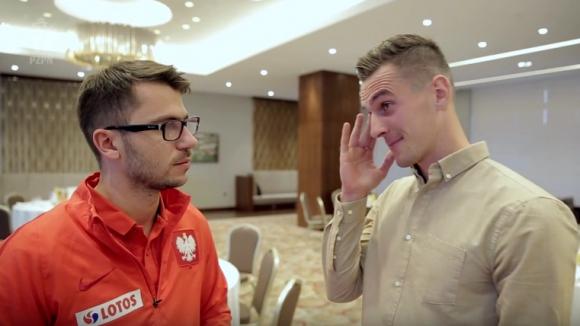 Сълзи в очите на Милик при първото му интервю след тежката травма (видео)