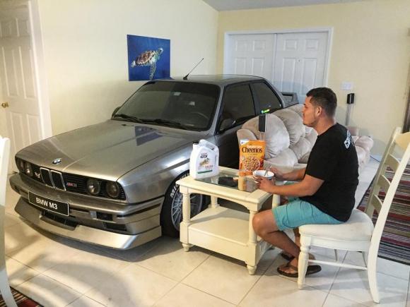 Американец си прибра BMW вкъщи
