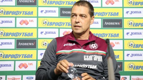 Хубчев хвали футболистите - видя позитивна промяна в много национали (видео)