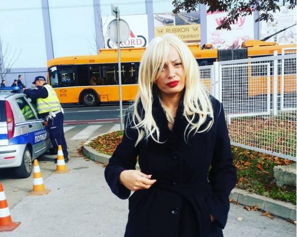 Порно звезда се съблече на мач на Божинов (ВИДЕО + СНИМКИ)