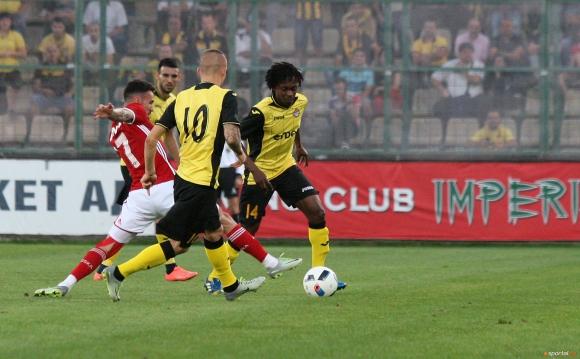 15-годишен талант влезе в групата на Ботев (Пд) за мача с Левски
