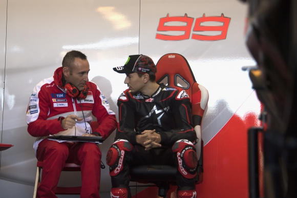 Хорхе Лоренсо се раздели с треньора си в MotoGP