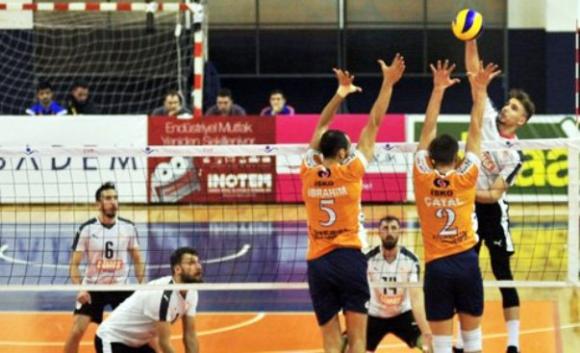 Мартин Атанасов и Токат отпаднаха от Купата на Турция