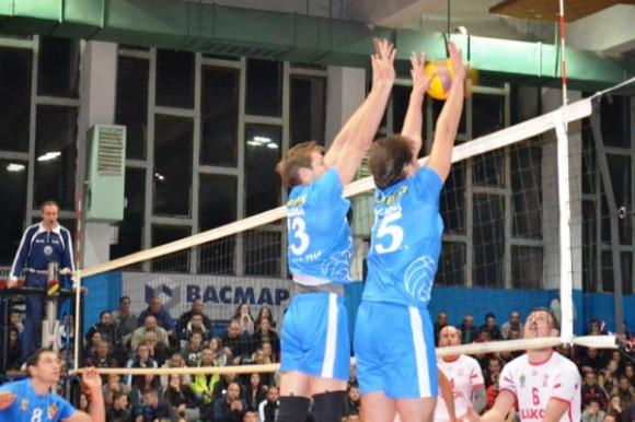 207-сантиметров волейболист подсилва Тетевен Волей за втория полусезон